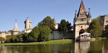 Zámok v Laxenburgu s plavbou a čokoládovňa
