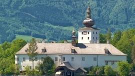 Zámky na Moravskom poli, čokoládovňa Lindt a St. Polten